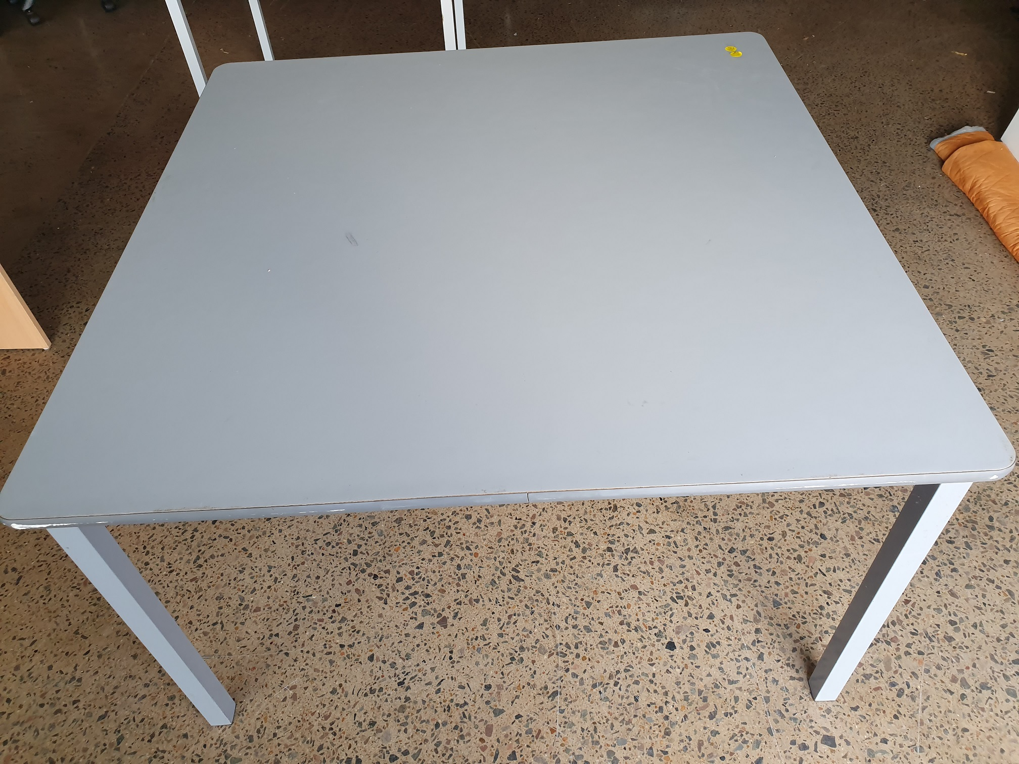 Secondhand Office Tables
